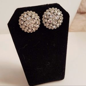 NWOT - Vintage Style Button Rhinestone Earrings